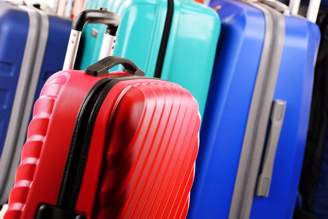 que es lo que puedes llevar en el avión, primera maleta, cargo extras aerolíneas low cost en mexico, quién cobra la primera maleta documentada, debo pagar más en mi vuelo