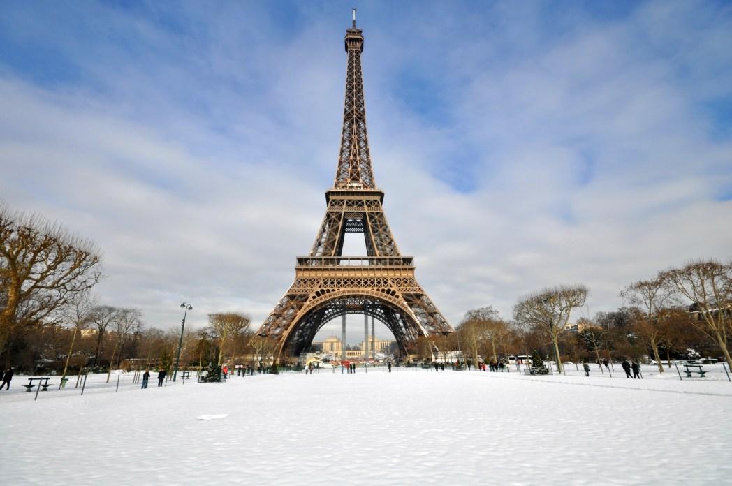 Tocando la foto encuentras los vuelos más baratos a París en navidad!