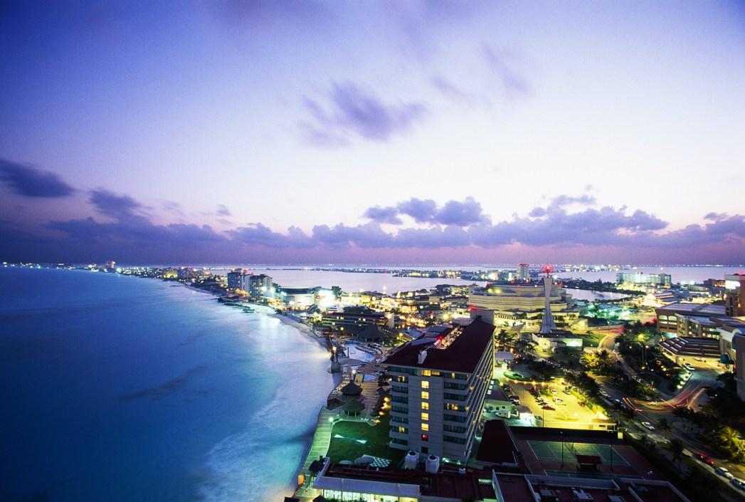 que hacer en cancun, viajar a cancun con amigos, destinos para viajar con amigos, viaje entre amigos, a donde ir en cancun, antros en cancun